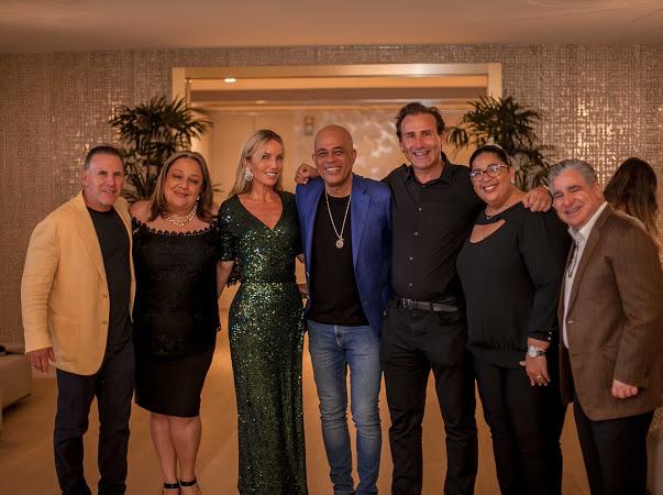 Jim Ferraro, Sophia Martelly, Cristie Delrieu, Michel Martelly, Nicolas Delrieu, Christine Coupet Jacques y Alfredo Lopez.